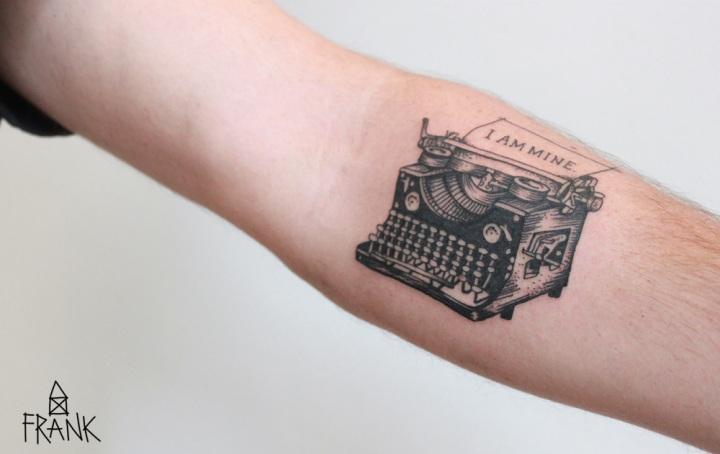 I am mine - Schreibmaschine von Miriam Frank