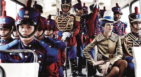 Stella Tennant & Peru's Presidential Guards, Lima, American Vogue, 2012 © Mario Testino