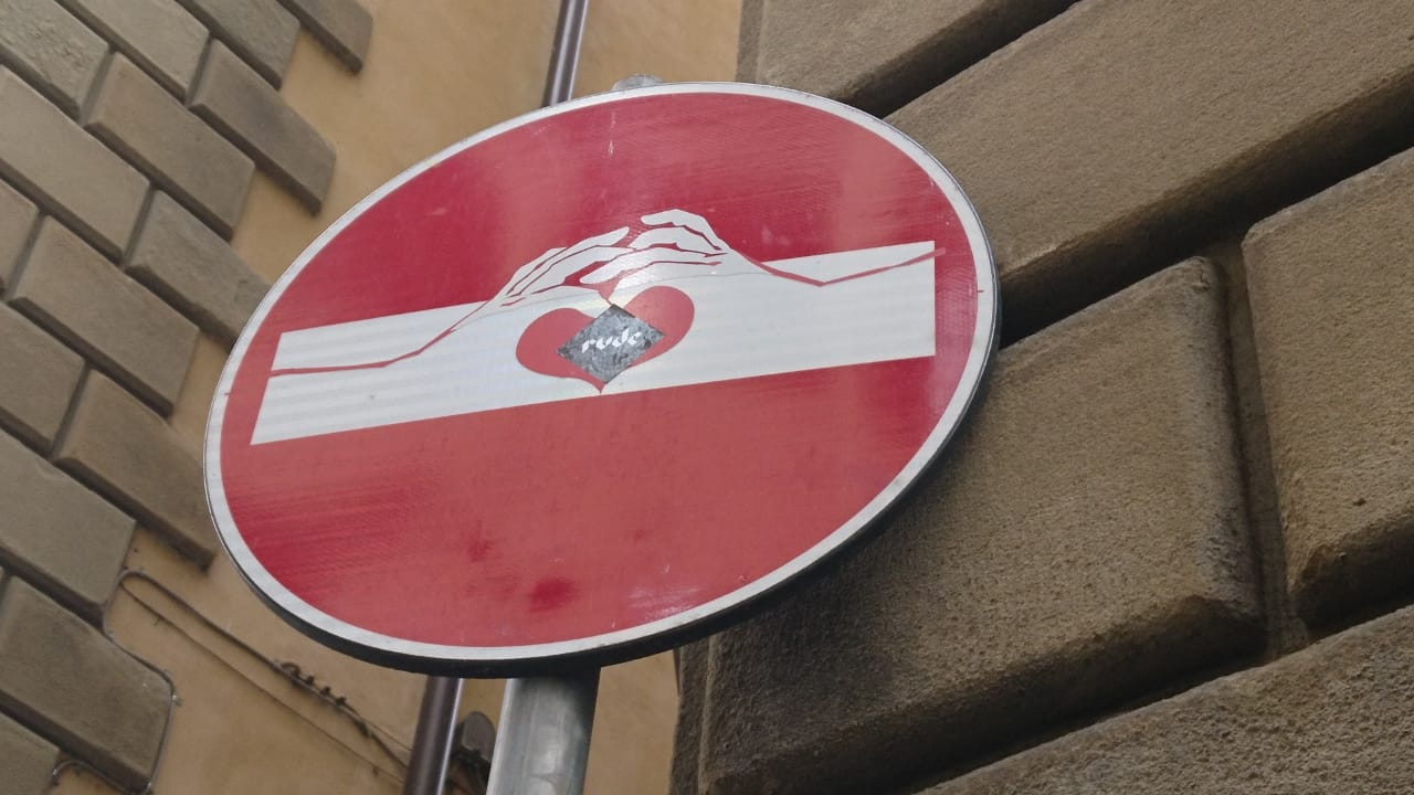 Auf der Straße: Mit Herz (und Sticker)